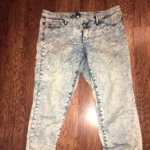 Denim - High-Ride acid wash Denim Leggings (Jeggings)